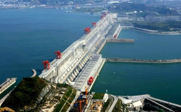 Top 10 Biggest Dams in the
